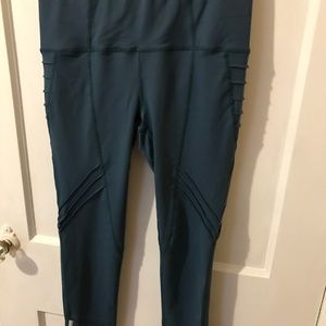 Oiselle 7/8 Aero Tights Green